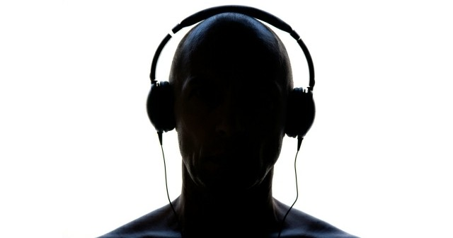 listening to personal audio players