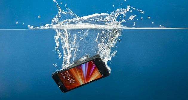hack to save your wet smartphone