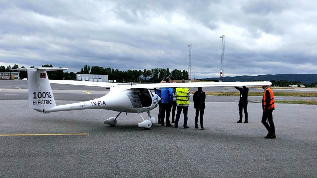 Rent To Own Smartphones >> Norway tests tiny electric plane, sees passenger flights by 2025 - Thai Tech by Thaivisa.com