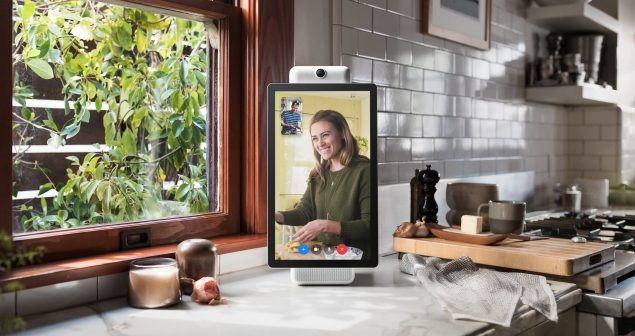 Facebook debuts smart speaker for Messenger video calls